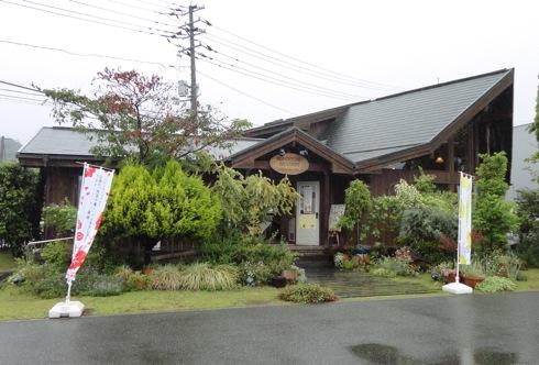 バッケンモーツァルト 亀山ヒルズ 外観2