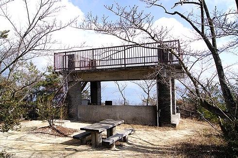 神峰山 第二展望台の近くの古い展望台