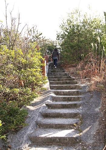 神峰山 第二展望台への登山道