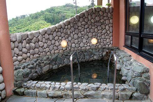 広島 アルカディアビレッジの温泉 露天風呂
