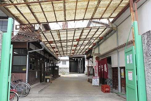 酒蔵通り、東広島市西条の町並み3