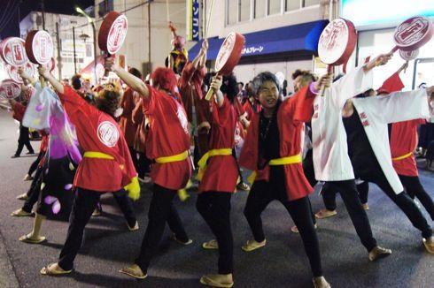 三次きんさい祭り、三次どんちゃん など軽快な踊りで市民大パレード