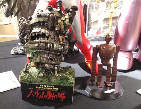 おもちゃ博に展示されている、ハウルの動く城や、ラピュタのロボット兵
