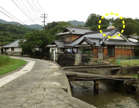 大仏の顔がドーン!大窪寺、江田島ののどかな風景に巨大仏像