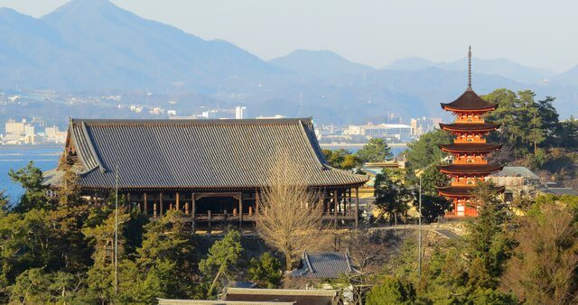 豊国神社(千畳閣)豊臣秀吉が建立命じた宮島最大の大経堂