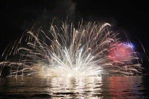 宮島水中花火大会 画像7