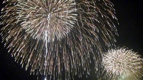 宮島水中花火大会2013、昔話と共に綴る5300発の海上花火