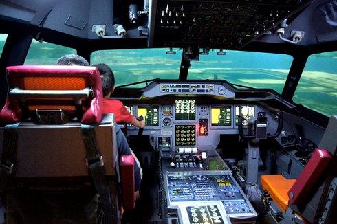 海上自衛隊のフライトシミュレーター体験