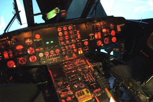 フライトシュミレーター MH-53Eのメーターなど