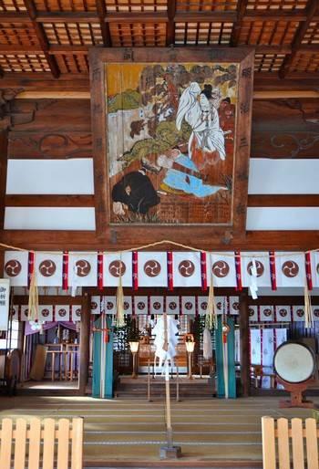 旭山神社の本殿でお参り