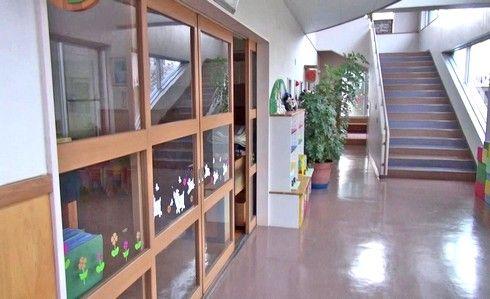 ケネディの鐘を見に、ルーテル幼稚園2階へ