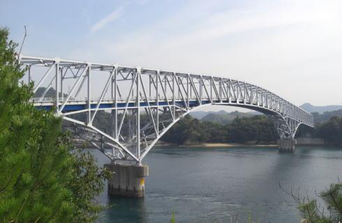 長島に架かる長島大橋、大崎発電所(中国電力)専用につくられた橋