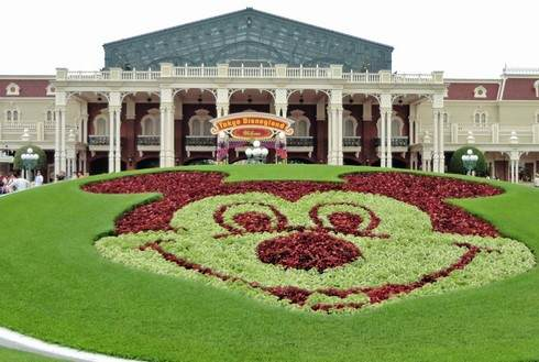 ディズニーランドが一新!ディズニーシーは拡張、舞浜以外に新たなテーマパーク案も
