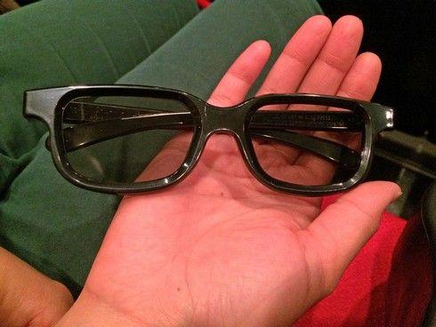 3Dメガネを装着して4DXを鑑賞