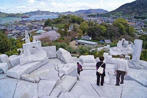未来心の丘から瀬戸田を一望する
