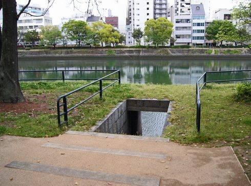 京橋川の雁木2