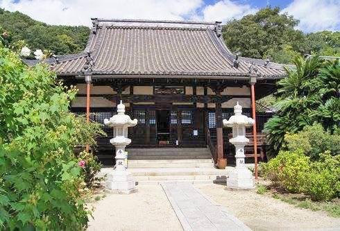 持光寺の本殿