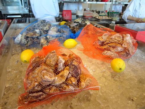 尾道WHARF(ワーフ)、一年中牡蠣が食べられる港の「グリル&ワイン」店