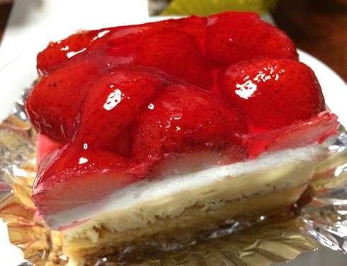 サントノーレ、苺のミルフィーユが看板商品 横川の小さなケーキ屋さん