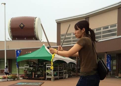 巨大な太鼓が乗った道の駅、舞ロードIC千代田 リニューアルで一新