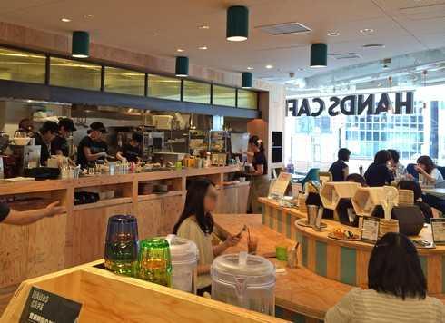 ハンズカフェ広島店は、オープンキッチン