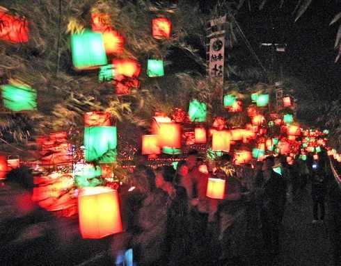 一面が光に包まれる!辻八幡の神殿入、三次で230年続くお祭り