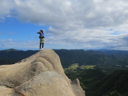 三倉岳 登山 中岳頂上の様子