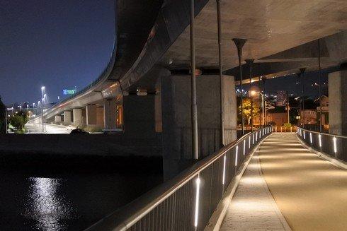 夜景も綺麗な太田川大橋