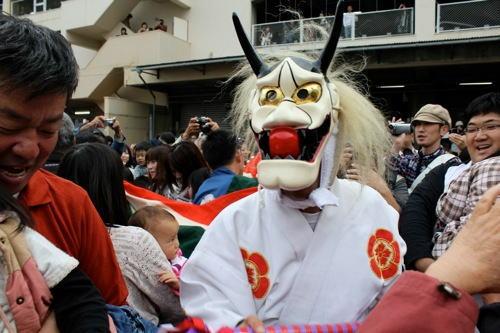 尾道ベッチャー祭り、こども号泣の「奇祭」が2014年も