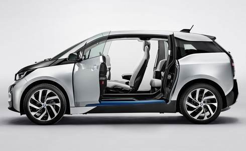 BMWi ドア全開で観音開きに