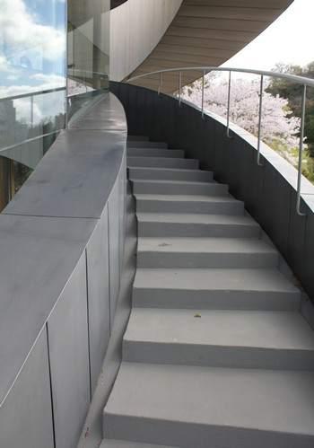 ベラビスタ境ガ浜、リボンチャペルの螺旋階段