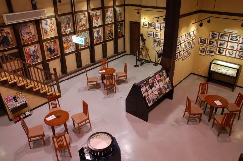尾道でも健さん追悼、映画資料館でポスター展示