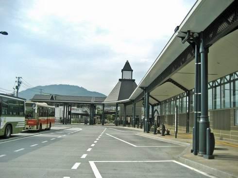 可部駅の様子、バスターミナル