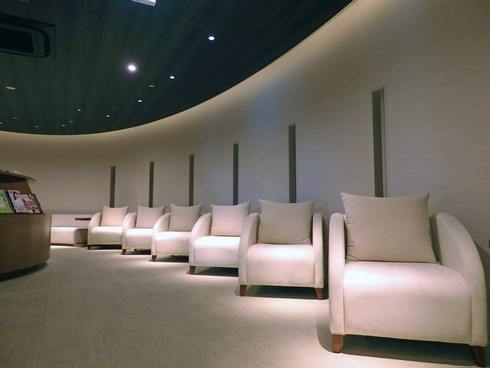 広島空港ビジネスラウンジ「もみじ」 室内の様子2