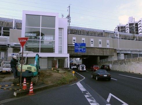 JR新白島駅の入口