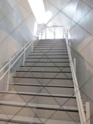 アストラムライン新白島駅 非常階段