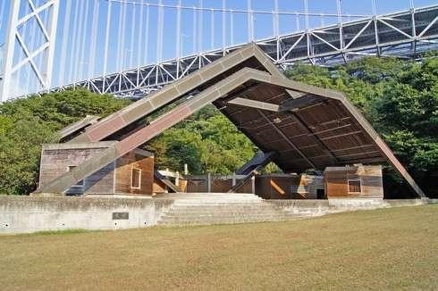 因島大橋記念公園のステージ