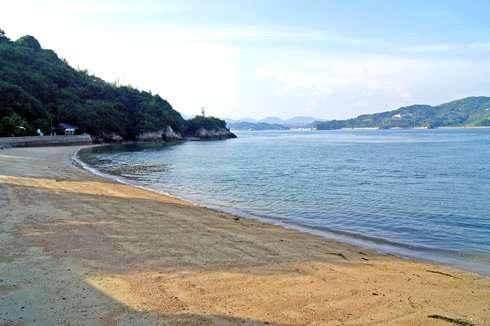 因島大橋記念公園、白い砂浜