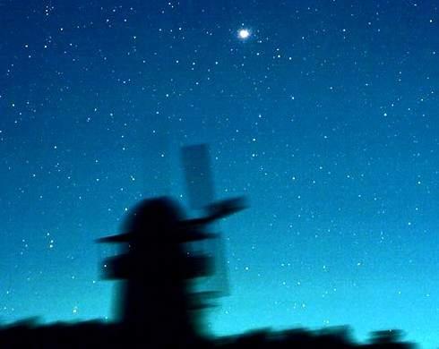 4月こと座流星群2015は23日に極大、見ごろの時間帯・方角
