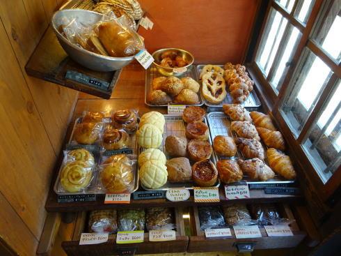 尾道 ネコノテパン工場、猫の額ほどの小さなパン屋さん