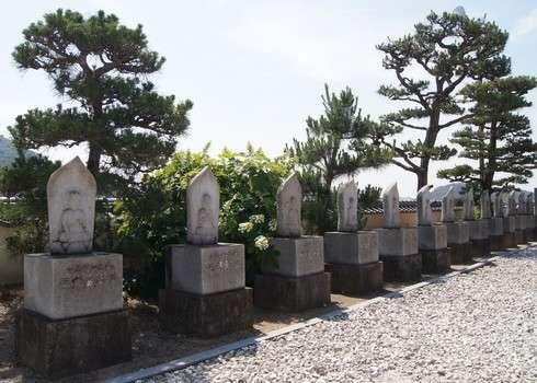 西国寺のお地蔵様たち