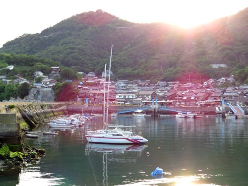 玉津島と港
