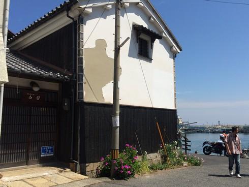 流星ワゴン、永田家の横にあった白い蔵
