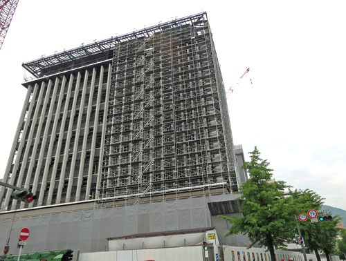形が見えてきた呉市役所の新庁舎、12月頃に完成予定