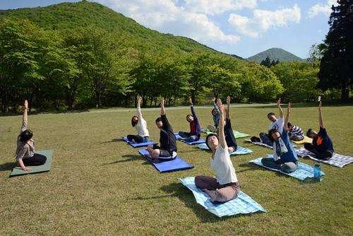 庄原市で比婆山山開き、緑の中でヨガ体験や神楽などイベントも