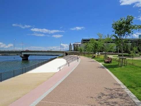 ゆめタウン廿日市 公園と散歩道