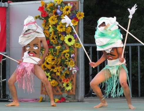 豊栄へそ祭り、へそ踊りの様子