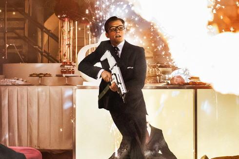 映画 キングスマン、高級スーツ店の店員が世界最強スパイ!? 華麗×過激アクションてんこ盛り!