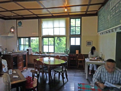 まなびやカフェ  カフェスペースの写真2