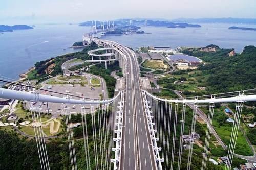 瀬戸大橋スカイツアーで、橋の頂に立つ!175mからの眺望を満喫しよう